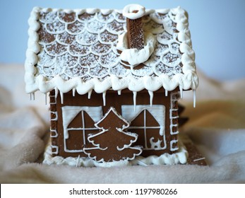 Gingerbread house and christmas tree with glaze, handmade