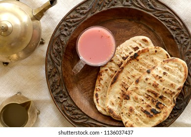 Girda is a tasty and traditional Kashmiri bread which is often served as breakfast along with noon chai.