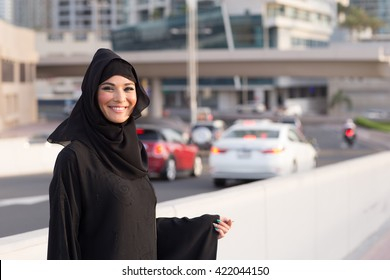 girl in abaya