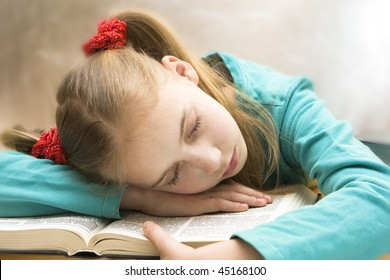 girl and the book, fell asleep reading