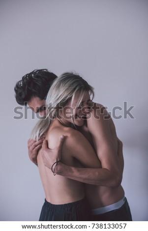 when to hug a girl