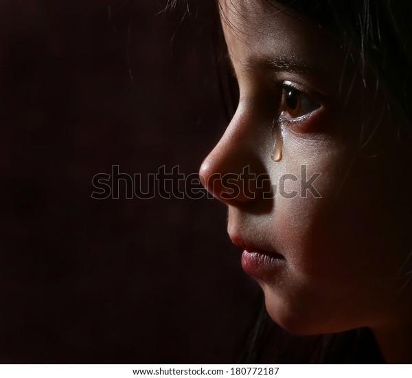 girl cry in dark