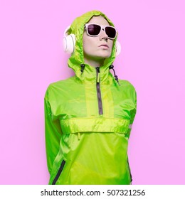 Girl DJ Mix Techno Dubstep Party Style