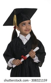 A girl dressed in a convocation attire