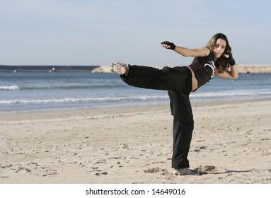 girl fighting in the beach