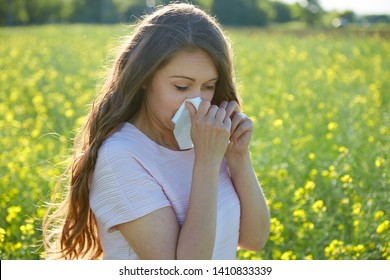 The girl has a seasonal allergy to flower pollen.