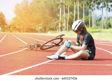Girl has sport accident injury from bicycle