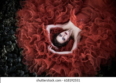 the girl in the image of the red Queen