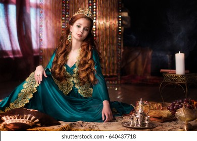 Girl at the image of Turkish sultan's wife
