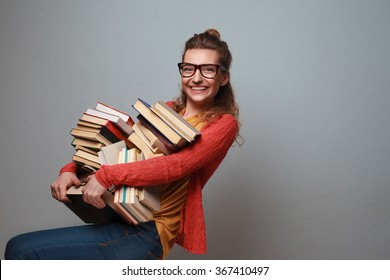 Girl love to read and study