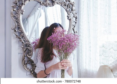 The girl next mirror.
