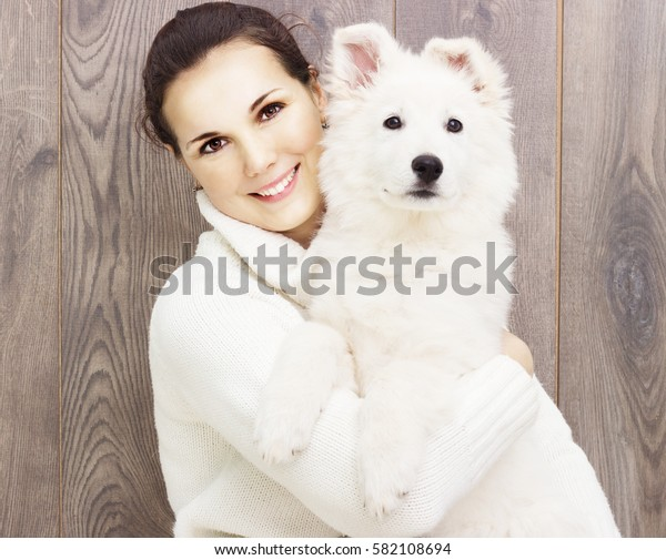 girl and puppy Berger Blanc Suisse