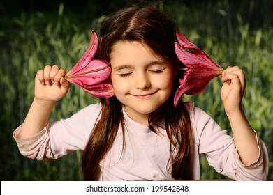 Girl put your ear lily flower (Nature Sounds)
