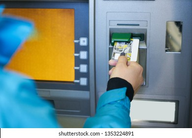 the girl raises money from the ATM