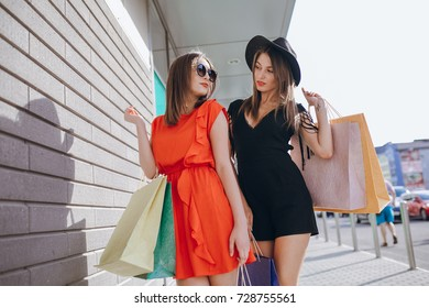 girl is shopping