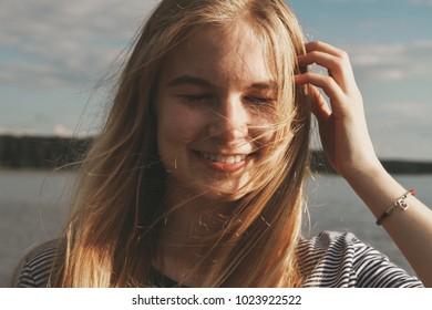 girl in the sunshine.