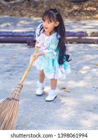 girl sweep the floor  Lolita dress