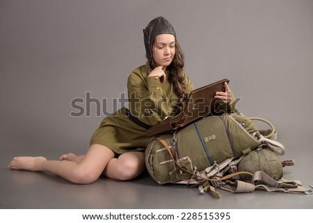 girl uniform soviet army aviator cap の写真素材 今すぐ編集