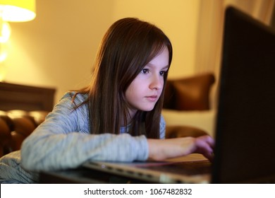 Girl use of the laptop compute
