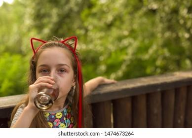 Imágenes, fotos de stock y vectores sobre Strand Girl