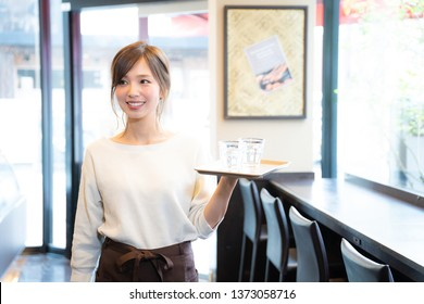 Girl to work part-time in a cafe