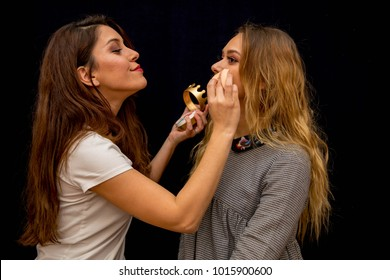 Girlfriend Make Up Each Other