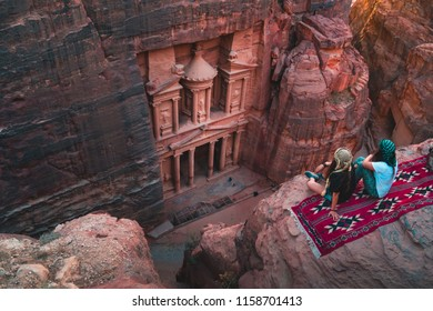 girls in the best view of the Treasury, al khazneh in Petra, epic Jordan