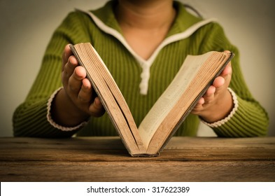 https://image.shutterstock.com/image-photo/girls-closing-books-vintage-background-260nw-317622389.jpg