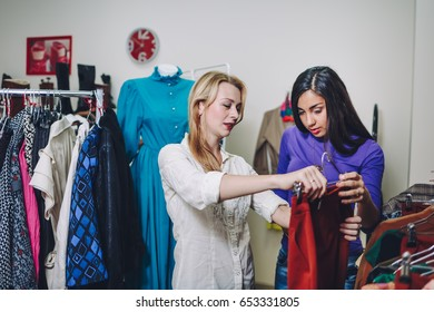 girls do shopping together, customer in a shop