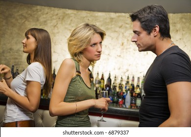 girls night out: guy breaking up with his girlfriend
