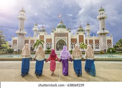 Girls at Pattani Mosque.