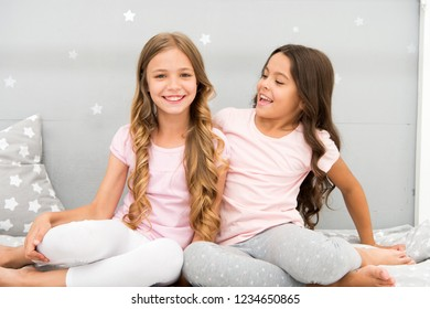 Girls sisters spend pleasant time communicate in bedroom. Sisters older or younger major factor in siblings having more positive emotions. Benefits having sister. Awesome perks of having sister.