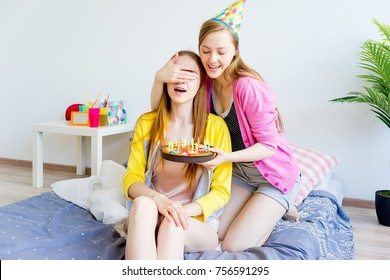 Youg lesbo seksiä