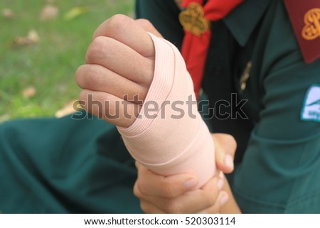 Girls in pain thumbs