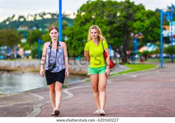 Escort girls Samana