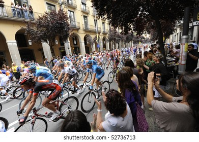GIRONA, SPAIN - JULY 9: Riders leave the city of Girona at the start of stage 6 in the Tour de France July 9, 2009 in Girona, Spain.