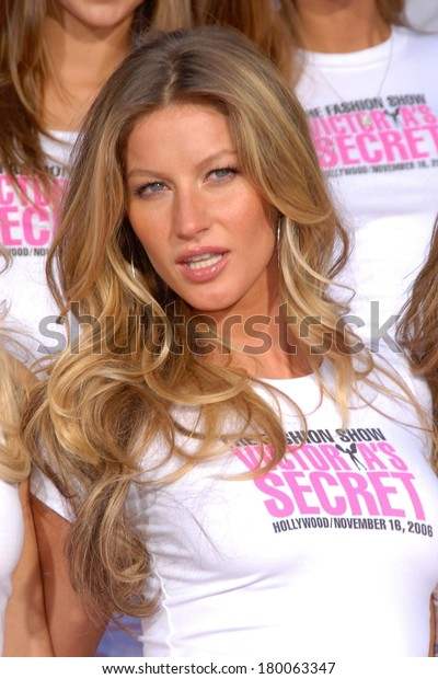 Gisele Bundchen at the press conference for Victoria's Secret Models Get Key to the City of Hollywood, Grauman's Chinese Theatre, Los Angeles, November 15, 2006