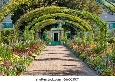 Giverny monet's house and garden france