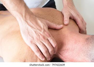 Giving a shoulder masage