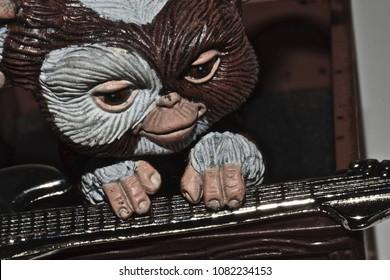 GIZMO GREMLIN PLAYING GUITAR