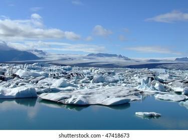 Glacier Lagoon (Jokulsarlon) in Iceland
