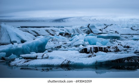 The glacier lagoon Jökulsárlón, south Iceland