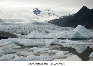 Fjallsárlón, a glacier lake with icebergs at the south end of the glacier Vatnajökull in Iceland