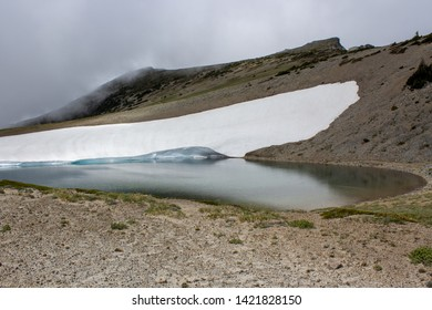 Glacier in the mountains of the American Pacific Northwest
