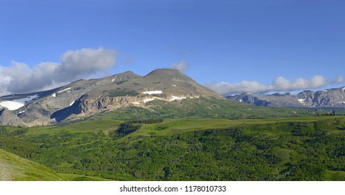 Glacier National Park in the Rocky Mountains, view from the east. Glacier National Park is a World Heritage sites of UNESCO and located in the U.S. state of Montana, on the Canada–United States border