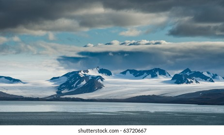 Glacier near Barencburg