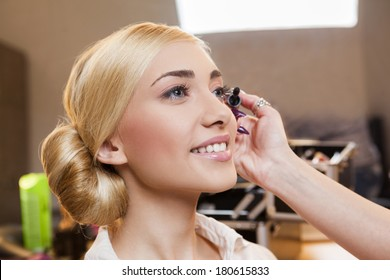 Glamor model makeup in backstage