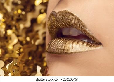 Glamour golden lips