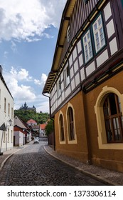 A glance through the streets of Wernigerode, with views to the castle with blue sky