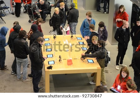 23fc2b49f GLASGOW SCOTLAND DECEMBER 30 Shoppers Inside Stock Photo (Edit Now ...